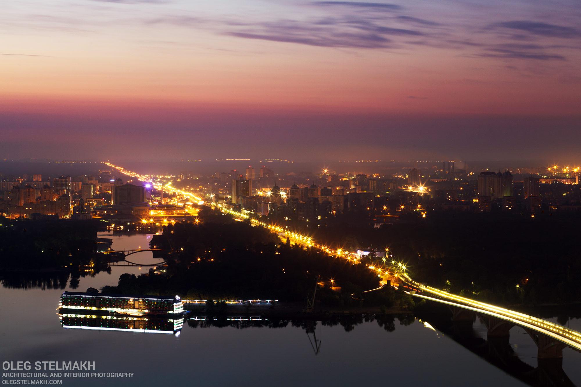 Рассвет в Киеве. Мост метро