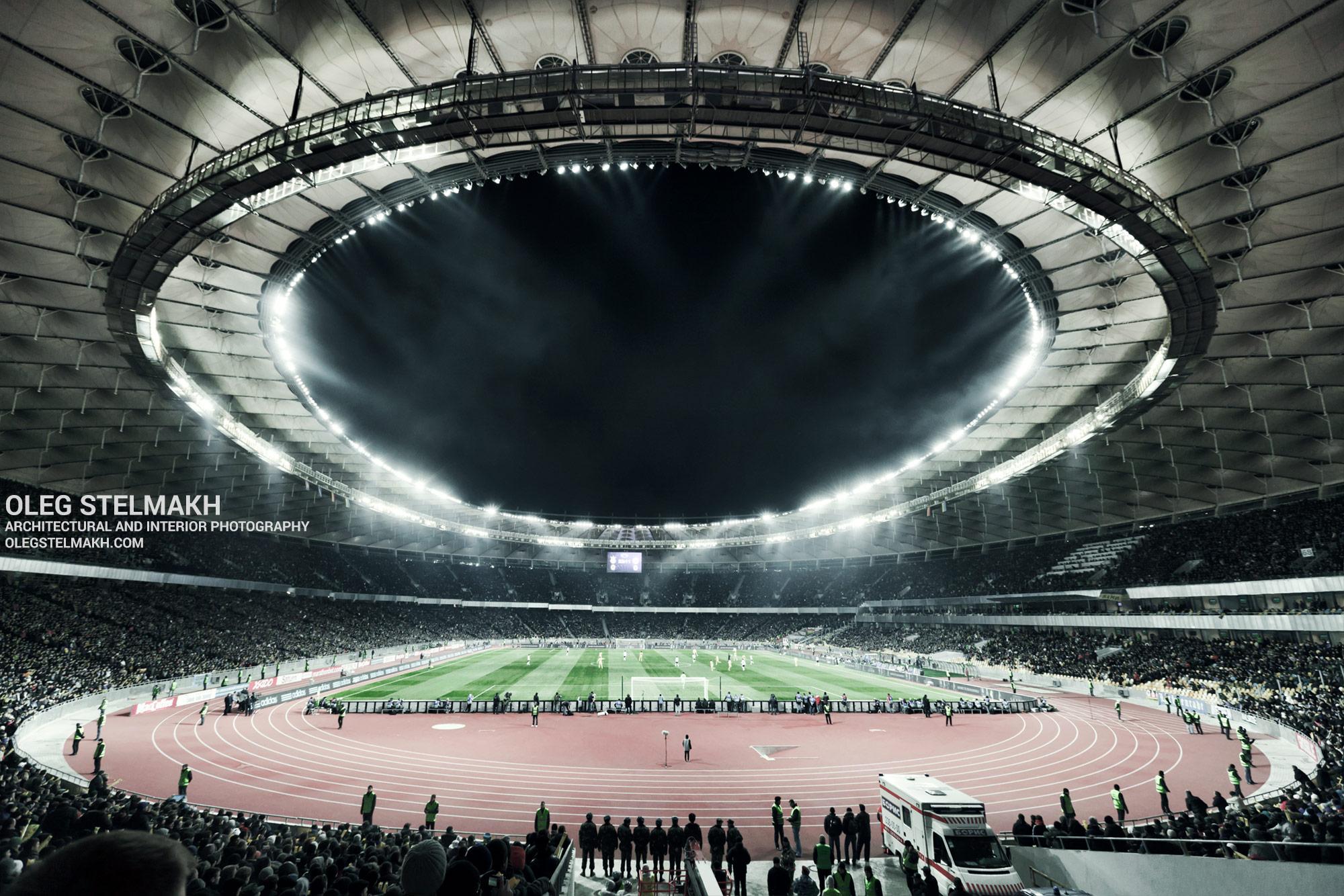 НСК Олимпийский в ночных огнях