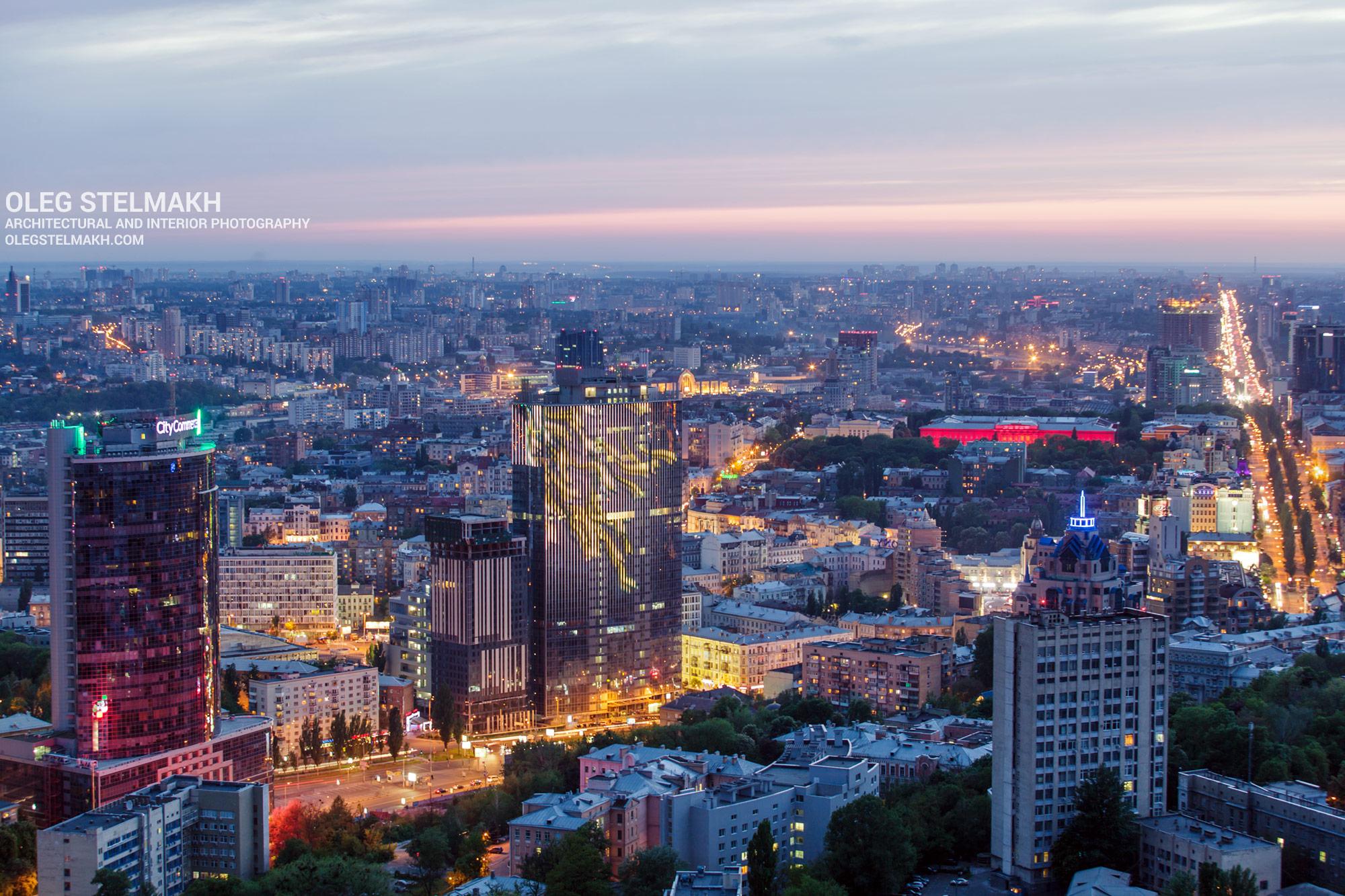 Вечерний Киев с высоты. Бизнес-центры Парус и Гулливер