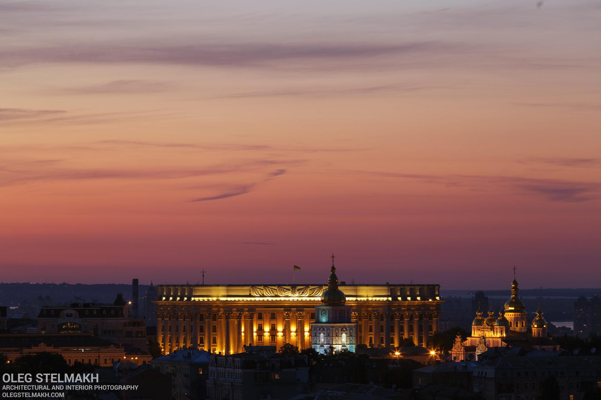 Михайловский собор и Министерство иностранных дел Украины. Ночной Киев
